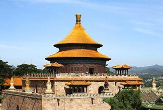 Храм Пулэ в Чэндэ