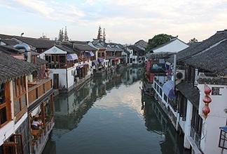 Город на воде Чжуцзяцзяо в Шанхае