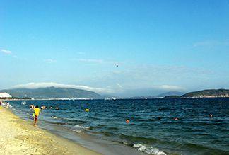 Залив Ялунвань в Санье