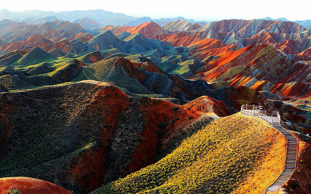 Горы Чжанъе Данксиа в Китае