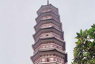 Храм Шести Баньяновых Деревьев Люжунсы в Гуанчжоу