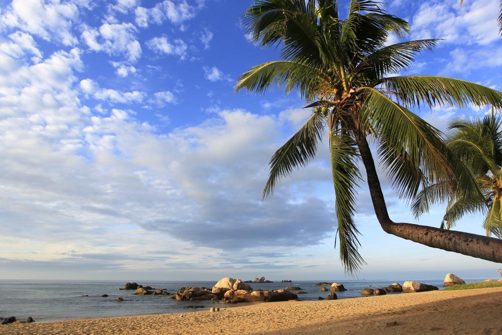 Пляжный отдых на курорте Тианья Хайджиао на острове Хайнань