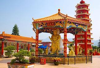 Монастырь десяти тысяч Будд в Гонконге
