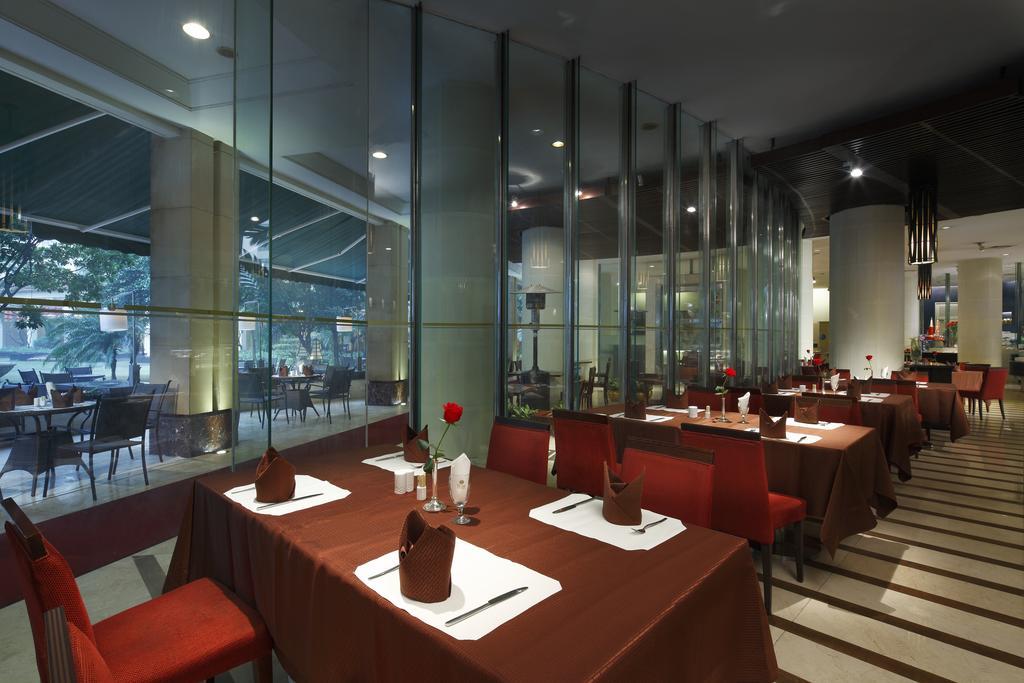 Отель DONG FANG 5* в Гуанчжоу