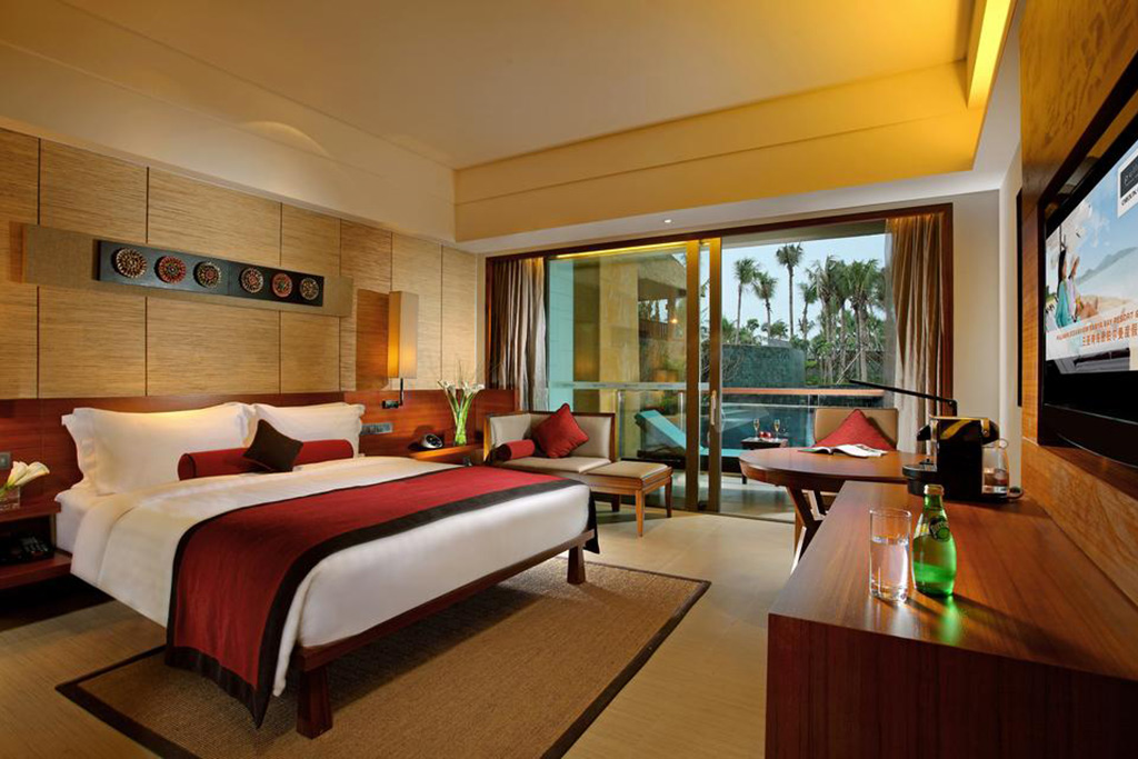Отель PULLMAN OCEANVIEW SANYA BAY RESORT & SPA 5*